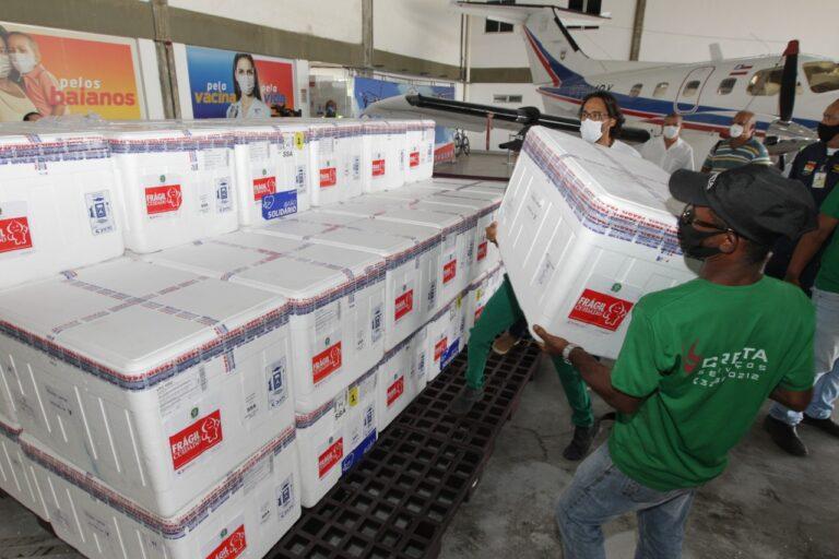 chegada de vacinas à Bahia